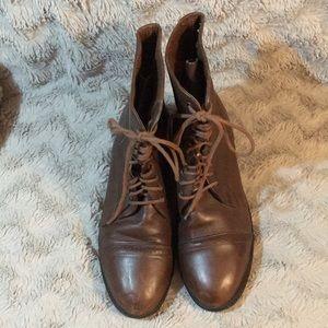 Paddock riding/equestrian boots.